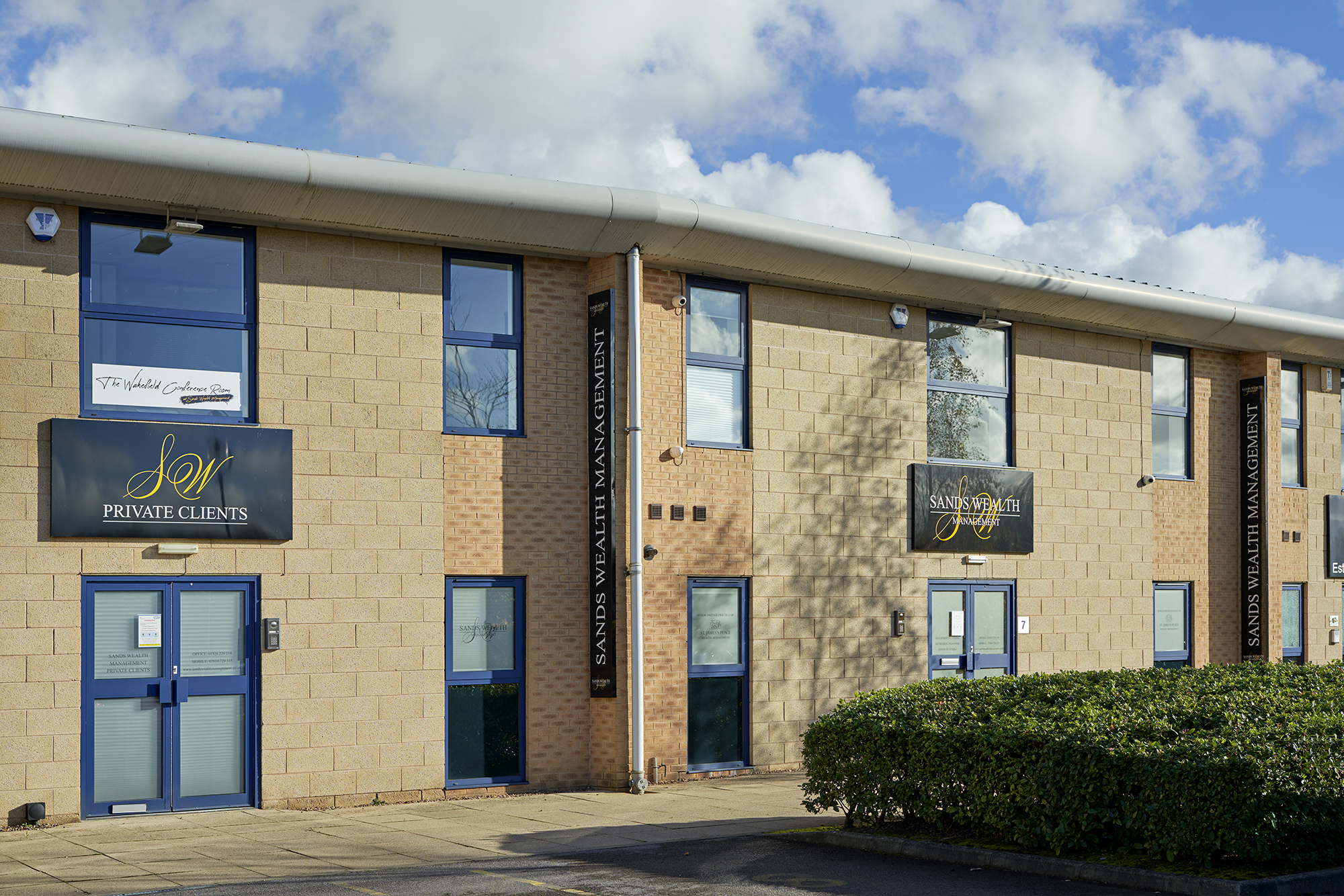 The Wakefield Conference Room is part of Sands Wealth Management, located next door with its own private entrance, foyer, kitchen and toilets.